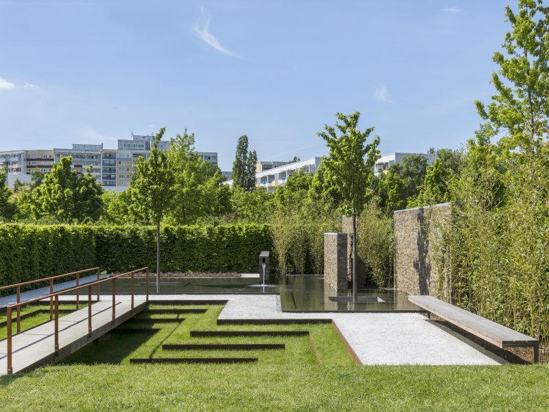 Alex Hanazaki assina Jardim Permanente na Alemanha