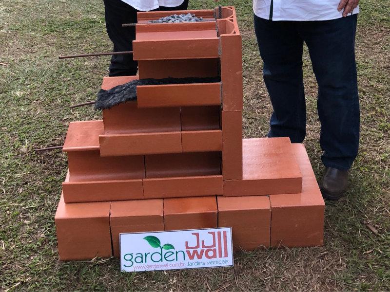 A GardenWall jardins verticais lançou na 27ª enflor & 15ª garden fair 2018 em Holambra o seu novo produto